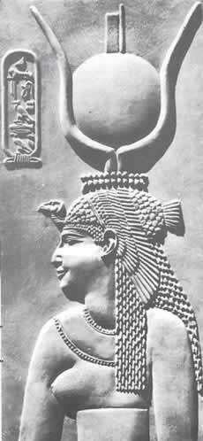 cleopatre - bas-relief