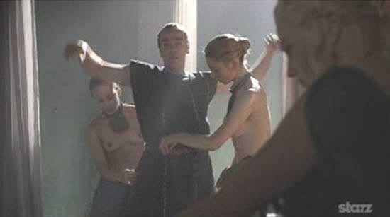 batiatus esclaves topless